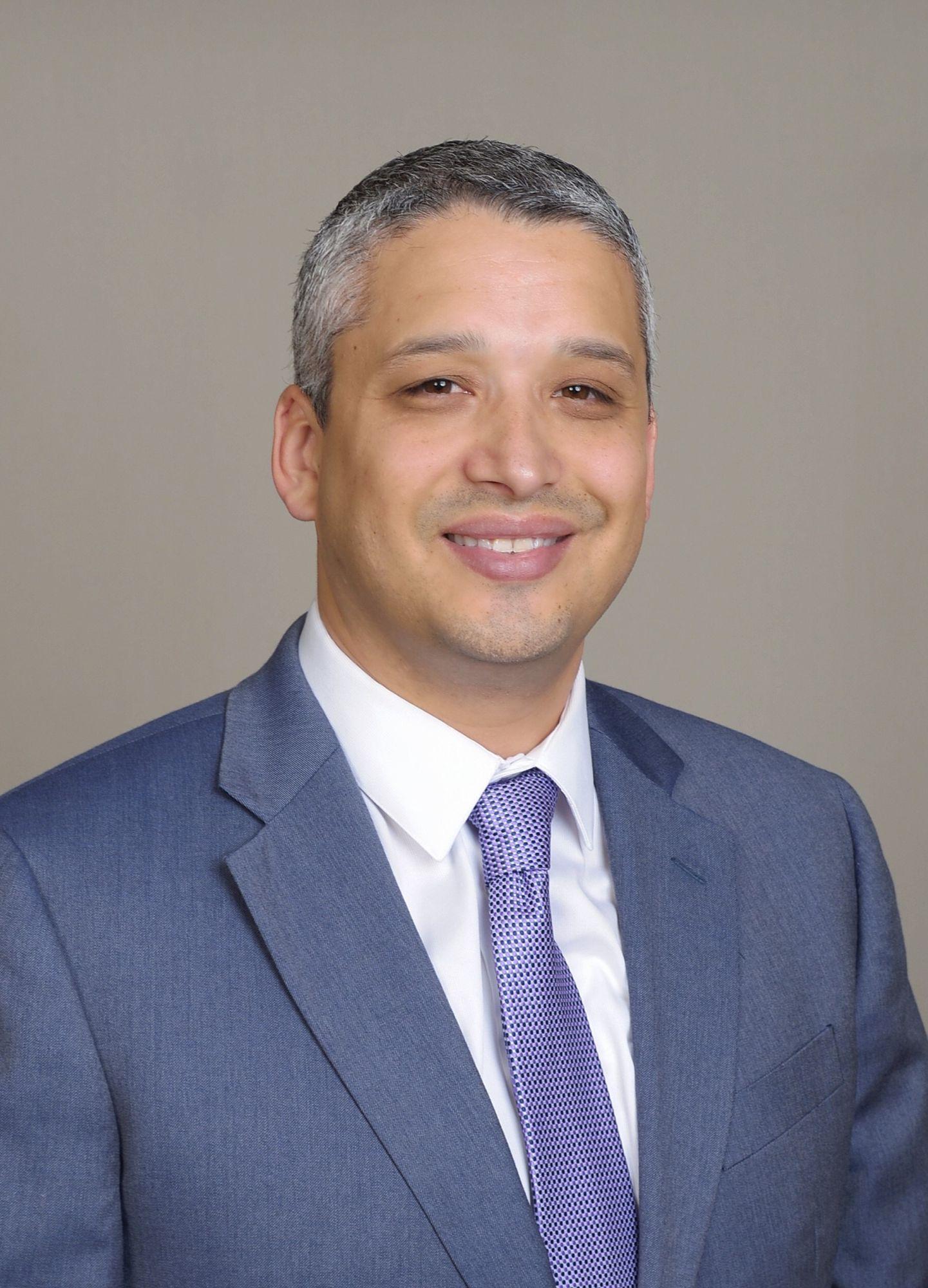 Fernando Reyes headshot