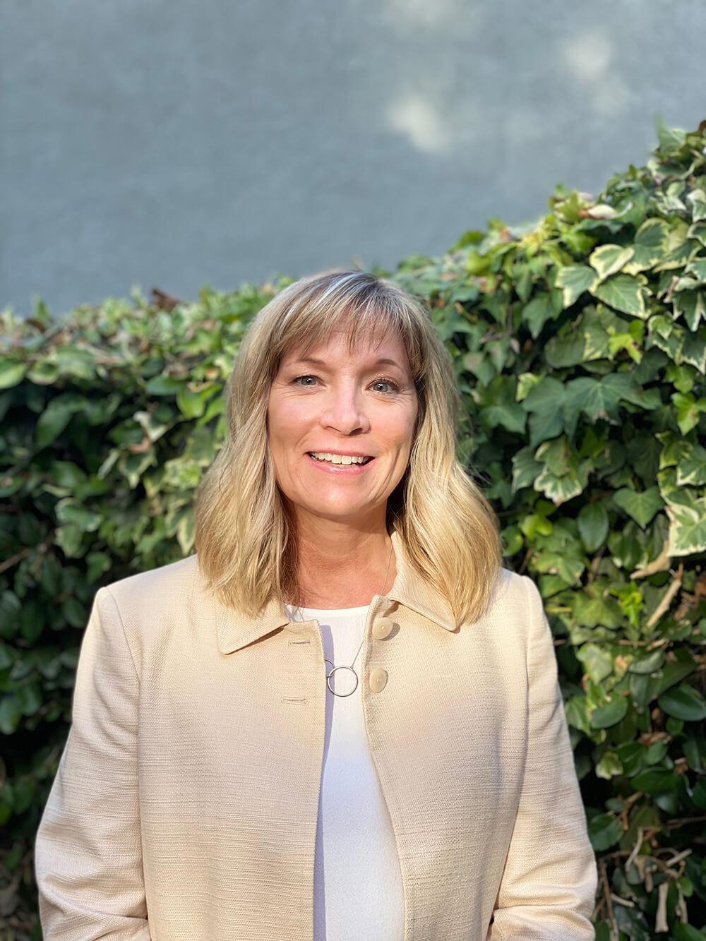 Kathy Costas, CDFA®