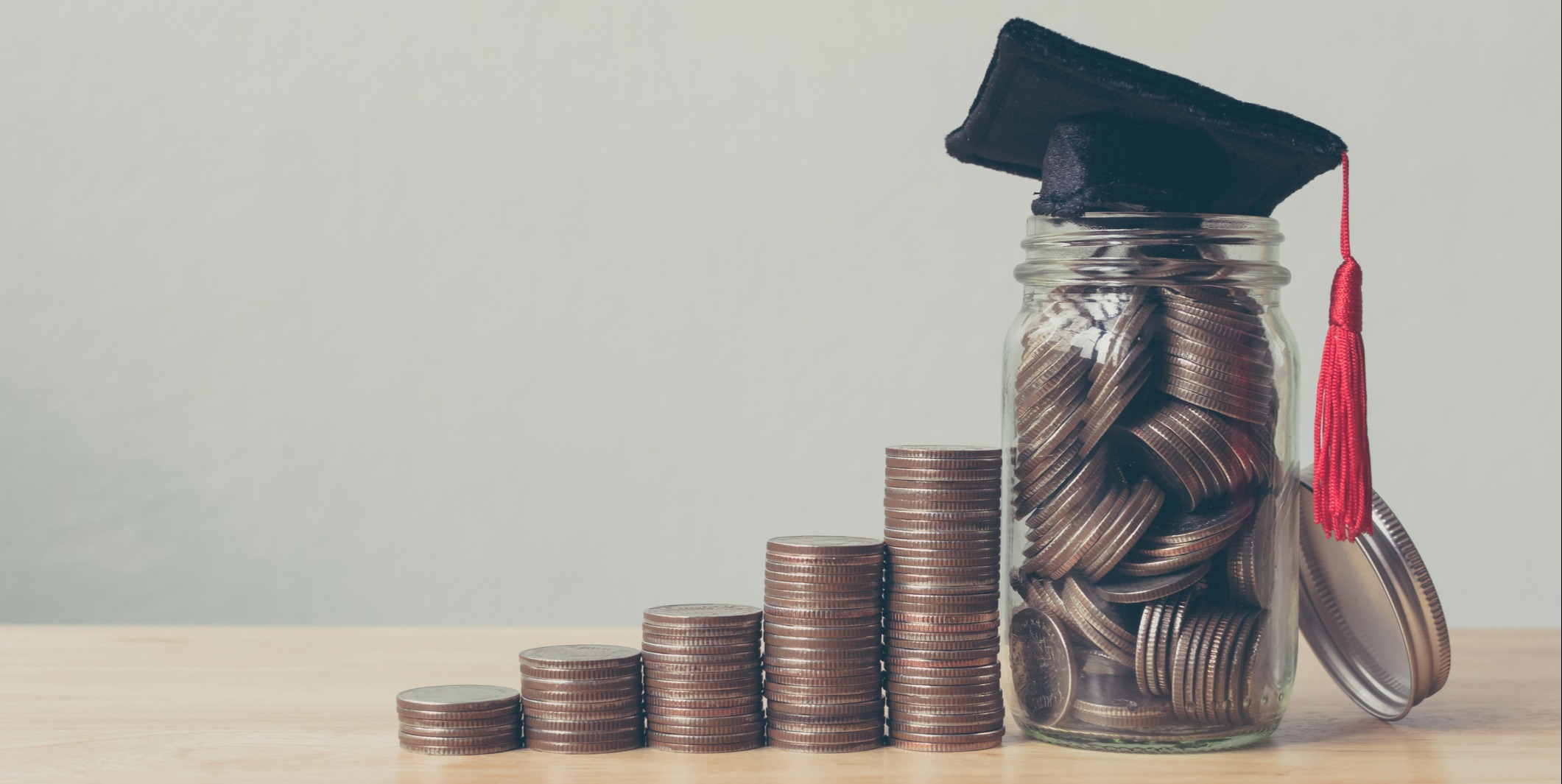 Paying For Your Kids To Go To College: 7 Tips from a Financial Advisor