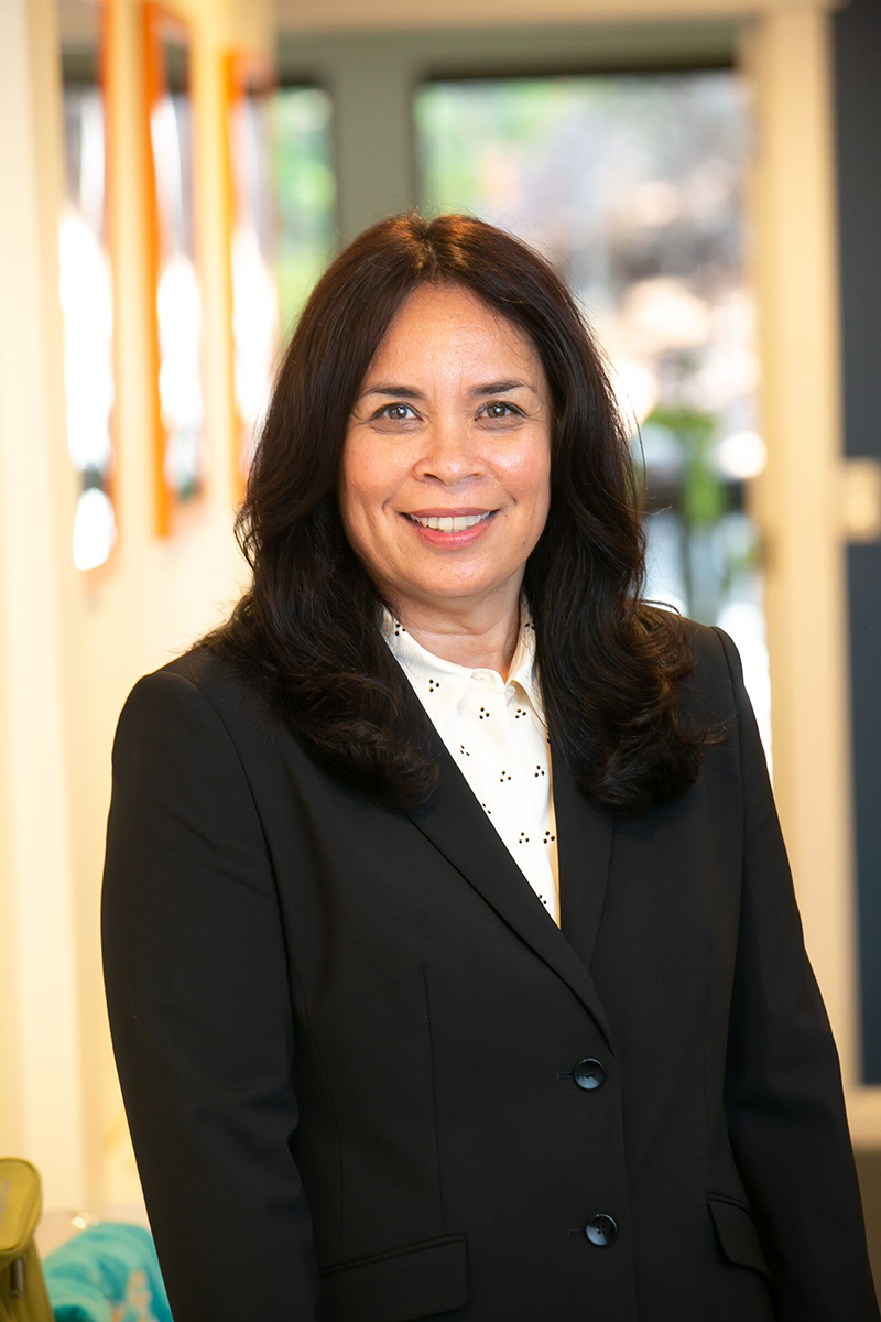 Stefanie Corrales